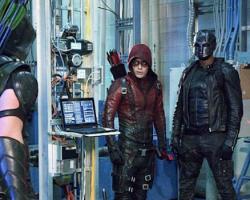 "REVIEW: Arrow 4×12 ""Unchained"""