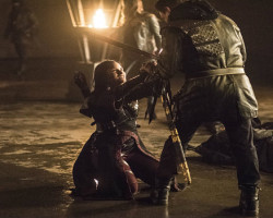 """REVIEW: Arrow 4×13 """"Sins of the Father"""""""